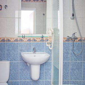 pokój jednoosobowy łazienka